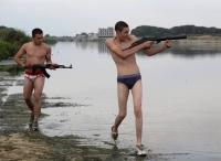 Marco (Marco Macor, links) und Ciro (Ciro Petrone) wollen der Mafia ihren Mut beweisen.