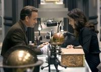 Robert Langdon (Tom Hanks) und Vittoria Vetra (Ayelet Zurer) suchen einen geheimen Treffpunkt der Illuminati.
