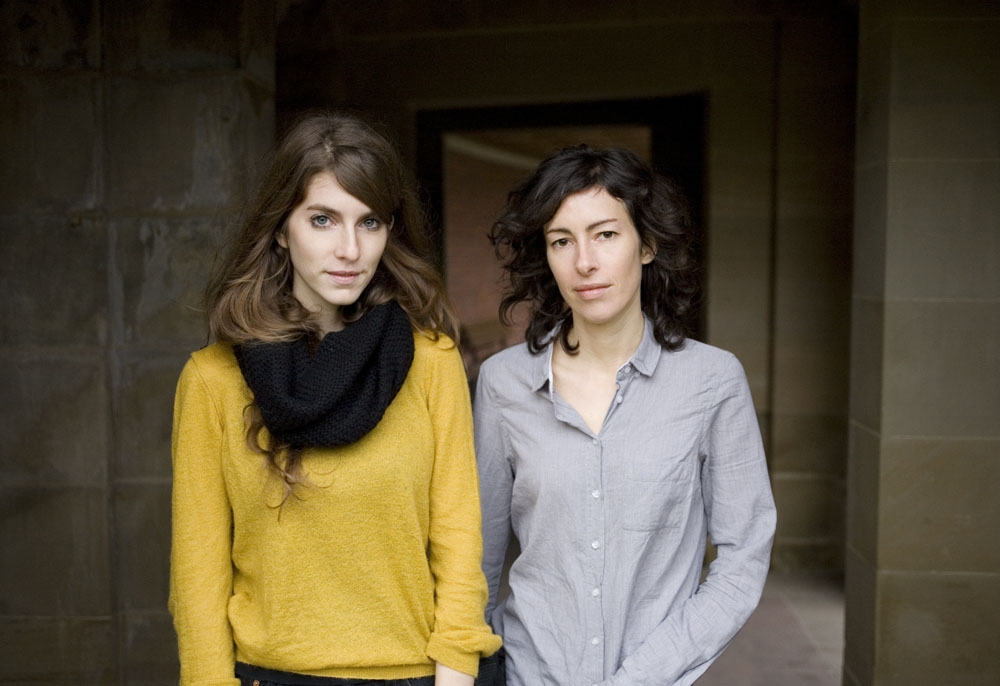 Valeska Steiner (links) und Sonja Glass - die Gummistiefel sind nicht im Bild. Foto: Add On Music/Inga Seevers