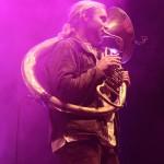 Labrassbanda starteten samt ihrer Blasinstrumente eine riesige Polonaise. Foto: FKP Scorpio/Malte Schmidt