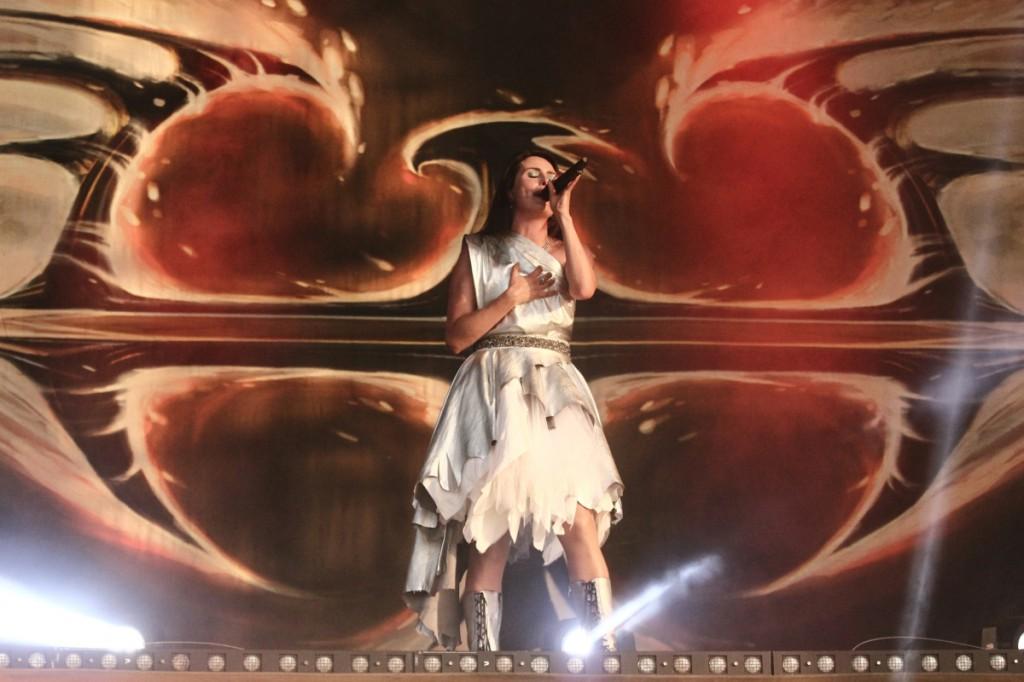 Dass die Sängerin von Within Temptation vor ihrer Musikkarriere einmal Modedesignerin war, sieht man ihr nicht unbedingt an. Foto: FKP Scorpio/Malte Schmidt