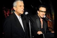 """Leonard Cohen (links) wird in """"I'm Your Man"""" unter anderem von U2 gehuldigt."""
