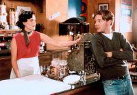 Frankie (Ione Skye) hat in David (Mackenzie Astin) ihre große Liebe gefunden.