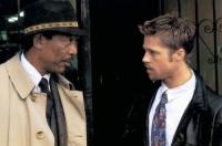 Die Polizisten Mills (Brad Pitt, rechts) und Sumerset (Morgan Freeman) jagen einen Serienkiller.