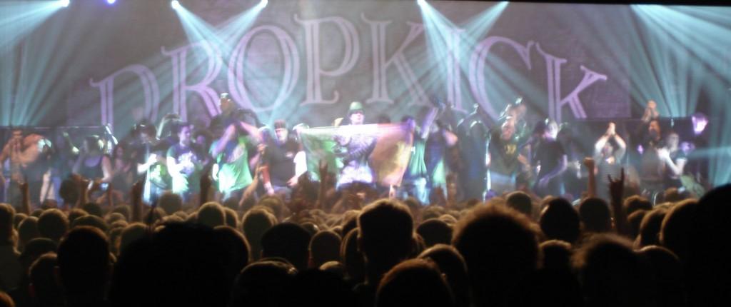 Die Stage Invasion ist ein toller Abschluss für das Mega-Konzert.