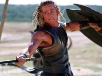 Achilles (Brad Pitt) soll dabei helfen, Troja zu Fall zu bringen.