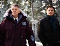 Journalist Mikael Blomkvist (Mikael Nyqvist, rechts) soll Henrik Vanger (Sven-Bertil Taube) helfen.