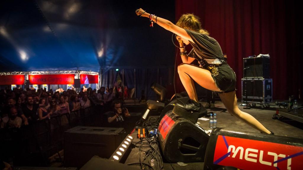 """Samantha Urbani, """"showing genuine energy"""" at Germany's Melt Festival. Image: Melt/Stephan Flad"""