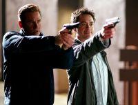 Harry (Robert Downey junior) lernt von Perry (Val Kilmer, links), wie ein Detektiv arbeitet.