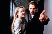 Kurz in den Knast, dann will Konrad (Kai Wiesinger) mit seiner Verlobten (Sylvia Leifheit) in die Flitterwochen.