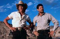 Val (Kevin Bacon) und Earl (Fred Ward) müssen sich einer Attacke aus der Unterwelt stellen.
