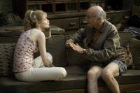 Boris (Larry David) nimmt die Ausreißerin Melody (Evan Rachel Wood) bei sich auf.