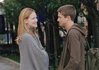 Louise (Laura Linney) beginnt eine Affäre mit F. Scott (Topher Grace).