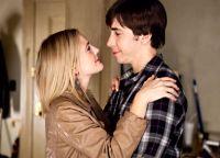 Erin (Drew Barrymore) und Garrett (Justin Long) verzweifeln an ihrer Fernbeziehung.