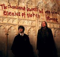 Harry Potter (Daniel Radcliffe, links) ist einem Monster in Hogwarts auf der Spur.