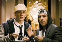 Okke (Elyas M'Barek) will Alex (Matthias Schweighöfer, links) erklären, was einen Mann ausmacht.