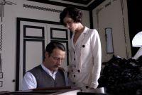 Coco Chanel (Anna Mouglalis) nimmt Igor Stravinsky (Mads Mikkelsen) in ihrem Haus auf.