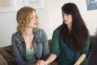 Georgina (Heather Graham, links) und ihre Freundin Clem (Mia Kirshner) schmieden Babypläne.