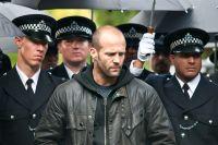 Tom Brant (Jason Statham) muss seine Kollegen vor einem Killer beschützen.