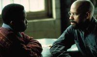 Lesra Martin (Vicellous Reon Shannon) macht sich für Rubin Carter (Denzel Washington) stark.