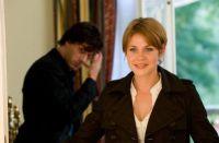 Mia (Felicitas Woll) meldet sich auf die Heiratsanzeige von Max (Kai Schumann).