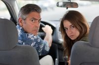 Matt (George Clooney) muss sich plötzlich um seine Tochter Alex (Shailene Woodley) kümmern.