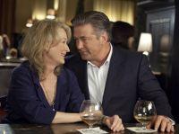 Jane (Meryl Streep) flirtet wieder mit ihrem Ex-Mann Jake (Alec Baldwin).