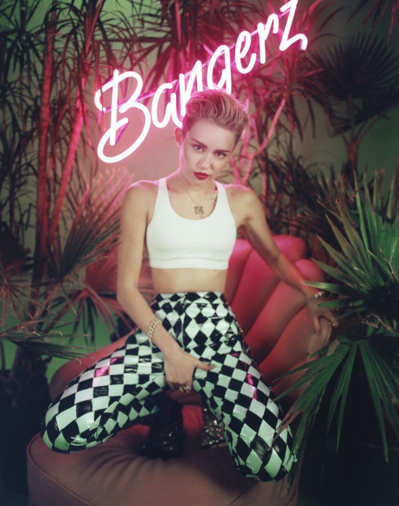 Ebenfalls unter den Top75 der Songtitel vertreten: Miley Cyrus. Foto: Sony Music