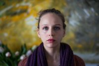 """Szene aus dem Film """"Die kalte Wahrheit"""" mit Petra Schmidt-Schaller"""