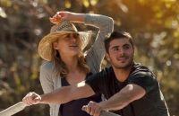 """Szene aus dem Film """"The Lucky One"""" mit Zac Efron und Taylor Schilling"""