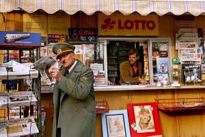 Szene aus dem Film Er ist wieder da mit Oliver Masucci als Adolf Hitler
