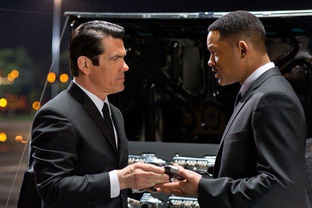 Szene aus dem Film Men In Black 3 mit Will Smith und Josh Brolin