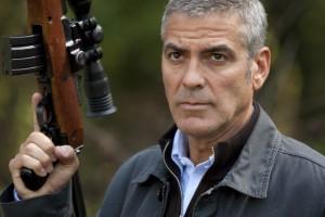Szene aus dem Film The American mit George Clooney Rezension Kritik