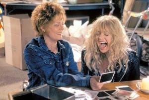 Szene aus dem Film Groupies Forever mit Susan Sarandon und Goldie Hawn