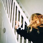 Fenne Lily On Hold Kritik Rezension