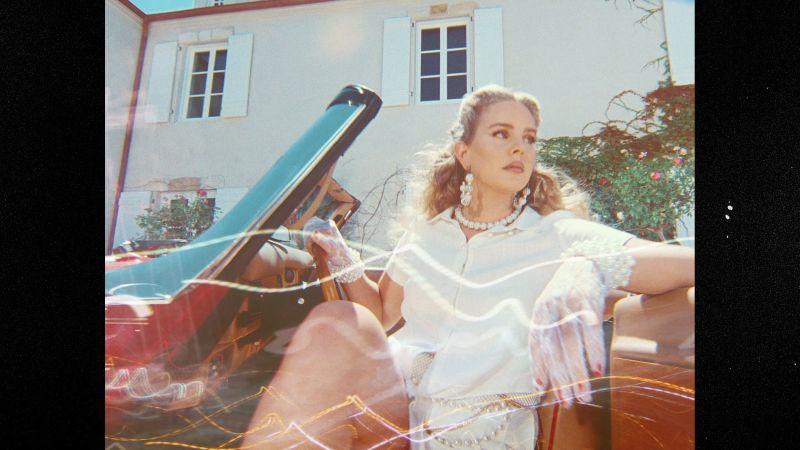 Lana Del Rey White Dress Review